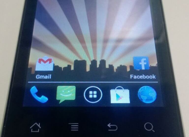 Review: smartphone CCE SK351 4