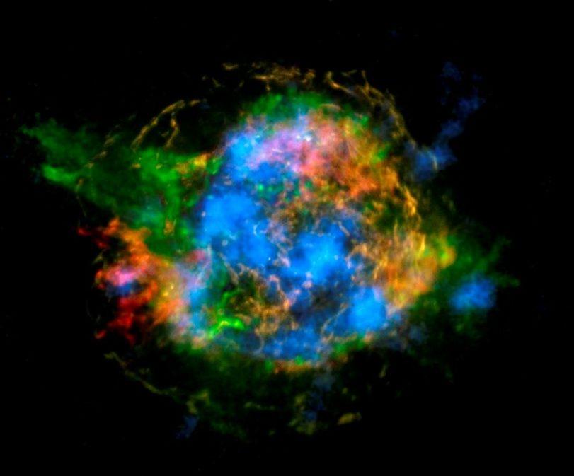 Primeiro mapa radioativo de uma supernova mostra radioatividade da estrela em azul / NASA/JPL