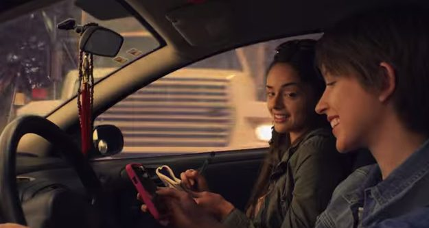 Comercial alerta para o risco de enviar mensagens ao dirigir / reprodução