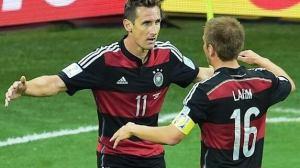 Jogadores alemaes comemoram gol contra o Brasil - E se o jogo entre Brasil e Alemanhã não tivesse acabado?