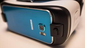 Nova versão do Samsung Gear VR chegará em novembro por US$ 99 14