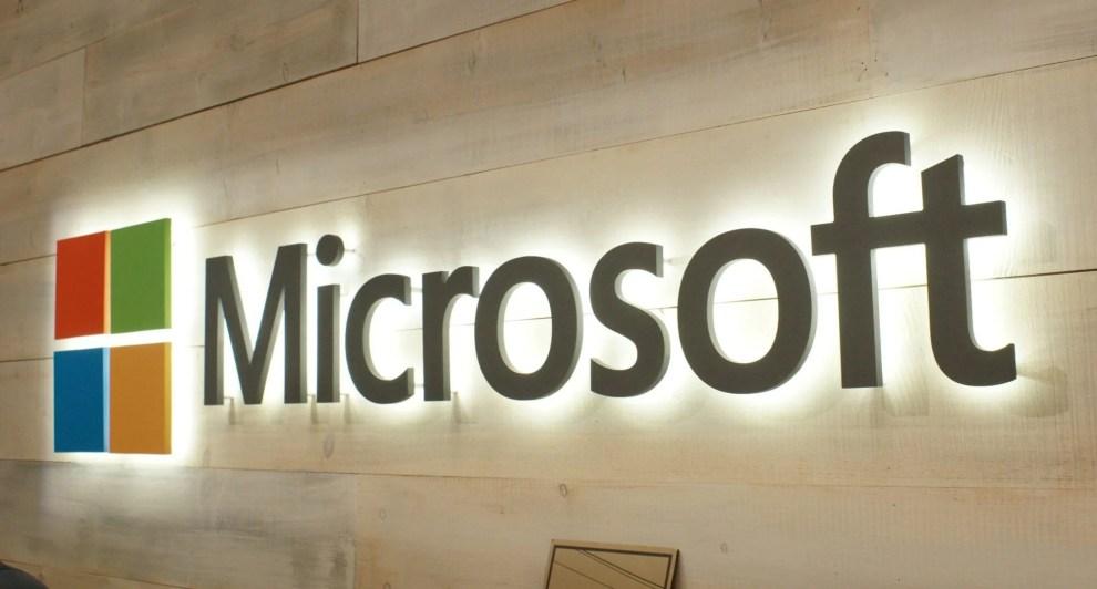 smt notemicrosoft p1 - Microsoft aumenta pressão para usuários atualizarem para o Windows 10