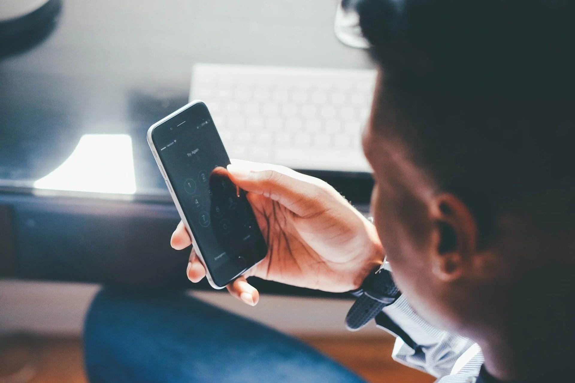 phone use - Como o brasileiro lida com o mobile? Pesquisa do Yahoo revela hábitos com apps
