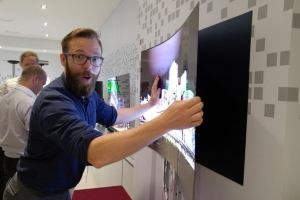 LG Wallpaper OLED TV W CES 2017