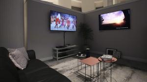 Samsung QLED TV - Design impecável: TVs QLED da Samsung se integram à sua área de estar