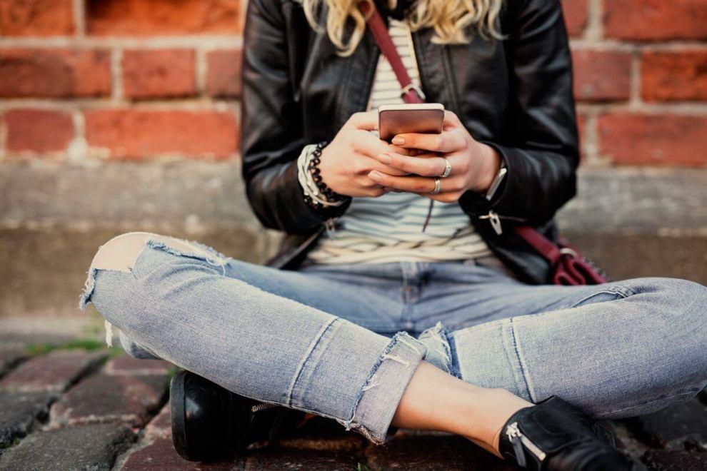 digitando no iPhone - Atualização para iOS 10.3 libera mais memória e deixa iPhones mais rápidos