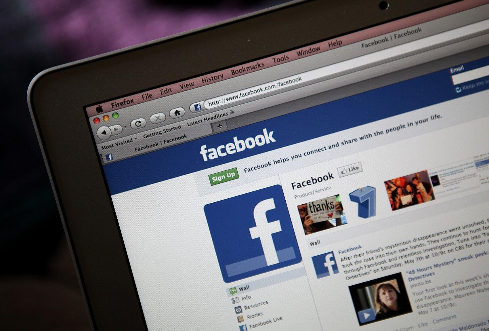 closing facebook 2 56b350523df78cdfa004b589 - Tutorial: Como esconder os amigos que adiciono no Facebook