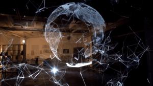 Sem usar de dispositivos especiais, artista cria projeções holográficas 3D 7