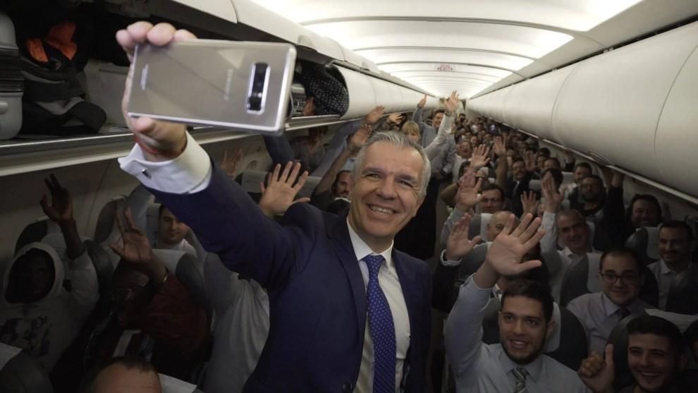 Voo na Espanha dá 200 Galaxy Note 8 aos passageiros