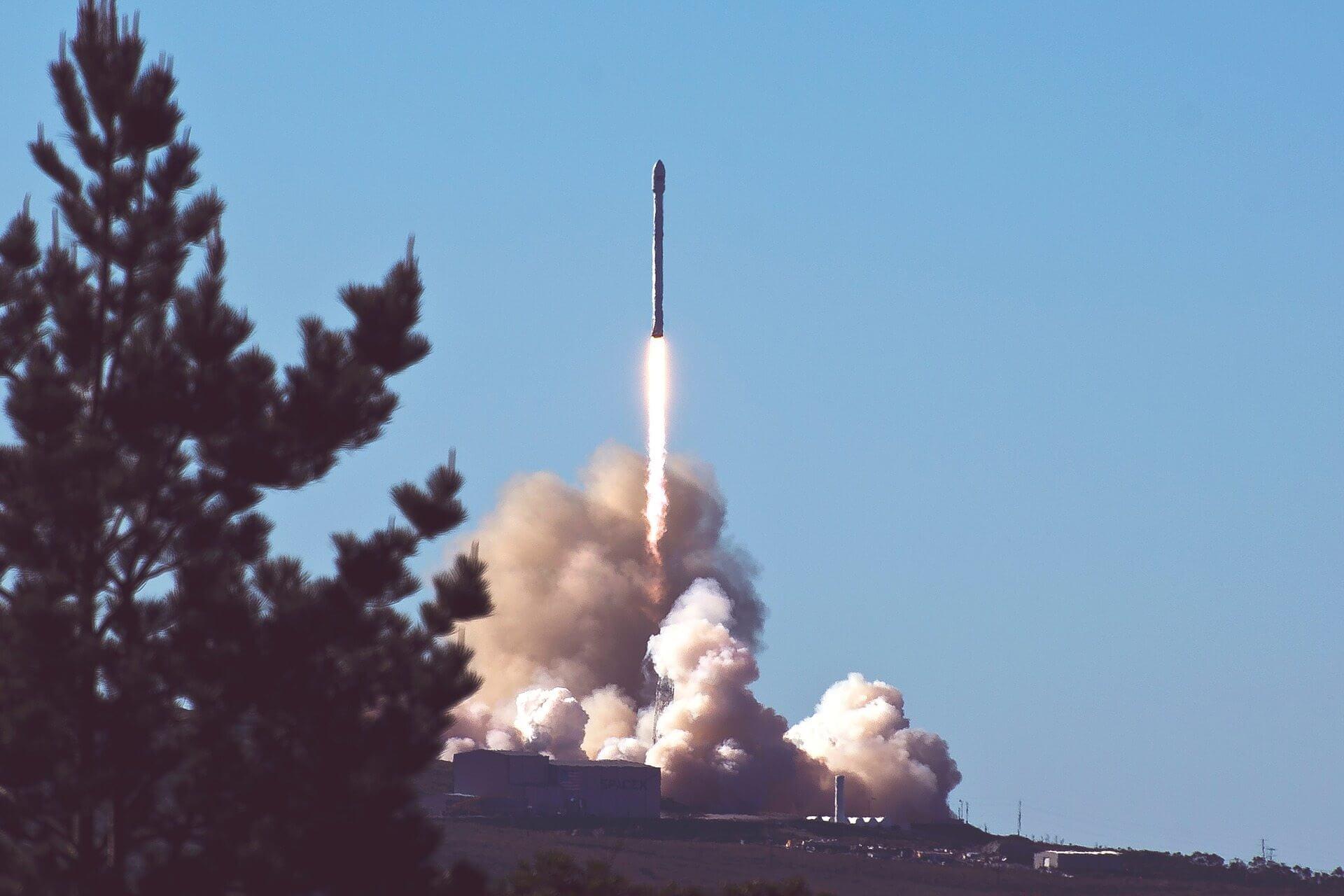rocket 2587934 1920 - Conheça a 'Muskonomics' - A estratégia econômica de Elon Musk