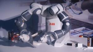 ABB comemora 105 anos de Brasil com a demonstração do robô Yumi 16