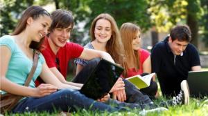 Confira os melhores programas grátis para estudantes 12