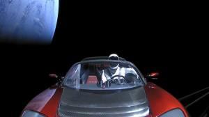 SpaceX: veja as imagens gravadas do esportivo Tesla no espaço 11