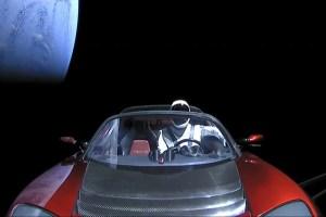 aHR0cDovL3d3dy5zcGFjZS5jb20vaW1hZ2VzL2kvMDAwLzA3My84OTkvb3JpZ2luYWwvc3BhY2V4LXN0YXJtYW4tdGVzbGEtcm9hZHN0ZXItc3BhY2UuanBnPzE1MTc5NTQwNTM - SpaceX: veja as imagens gravadas do esportivo Tesla no espaço