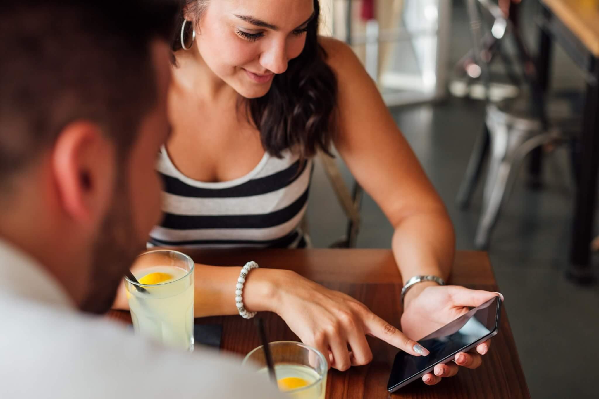 shutterstock 769870588 - Aplicativos para dividir a conta em casais e grupos
