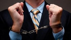 Extensão do Chrome alerta sobre os políticos condenados por corrupção 14