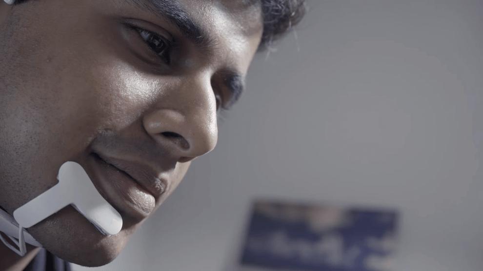 AlterEgo: o wearable capaz de ouvir sua voz interior e executar tarefas 6