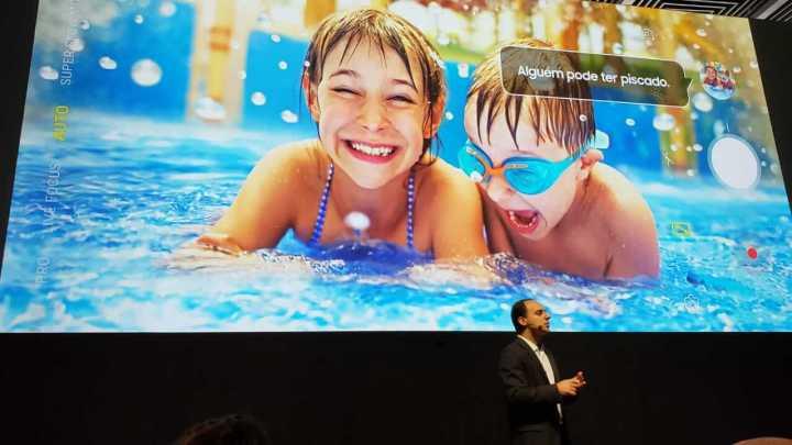 Caso alguém piscar durante a foto, a câmera do Galaxy Note 9 avisa