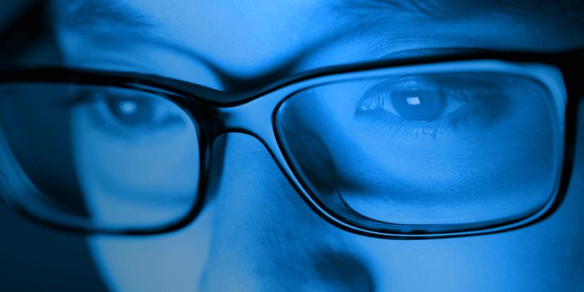 Luz azul das telas