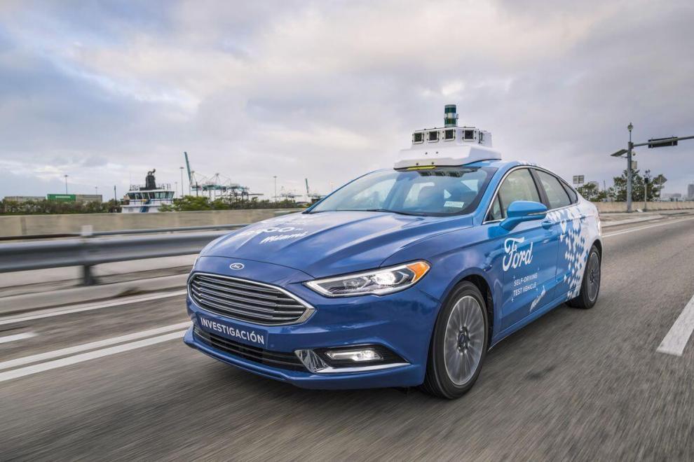 Aplicativo da Ford permite controle de carros autônomos pelo smartphone 6