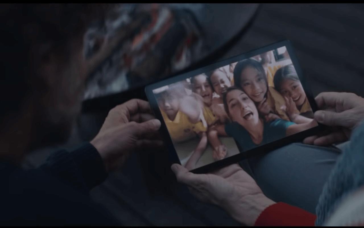 Novas campanhas de fim de ano de empresas como Samsung, Apple e Microsoft