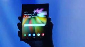 Samsung apresenta smartphone com a tela dobrável Infinity Flex Display 11