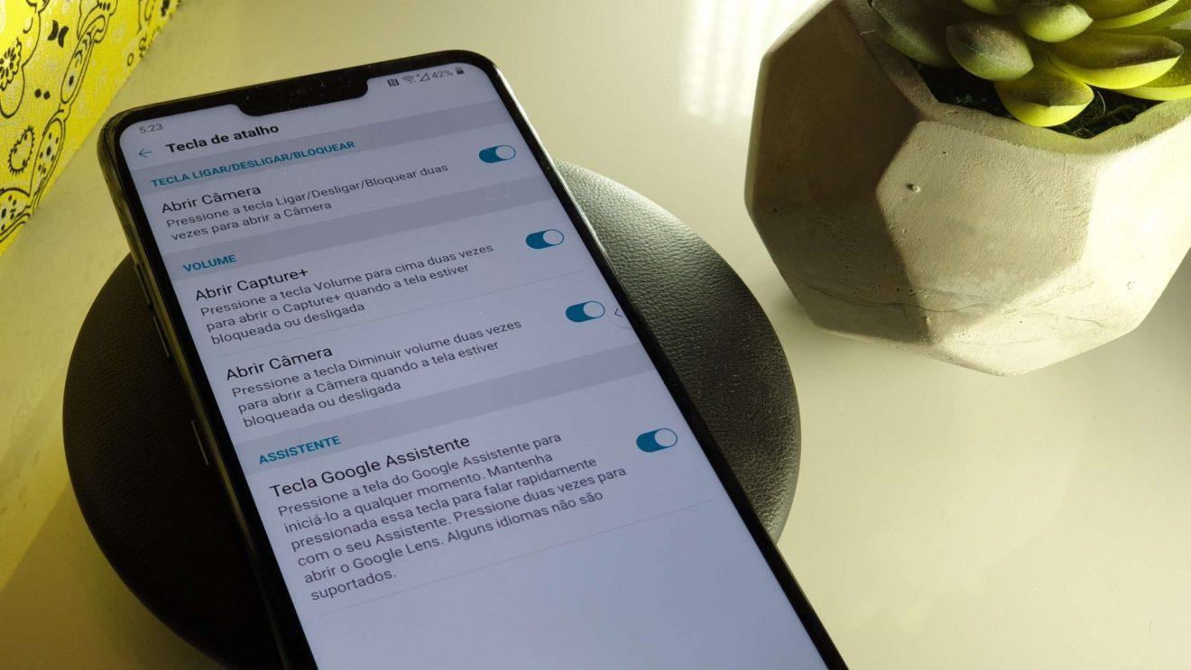 Foto explicativa de como dedicar o botão dedicado Google Assistente do LG G7 ThinQ