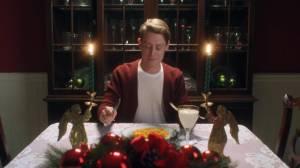 Macaulay Culkin e Google Assistente revivem cenas de Esqueceram de Mim 12