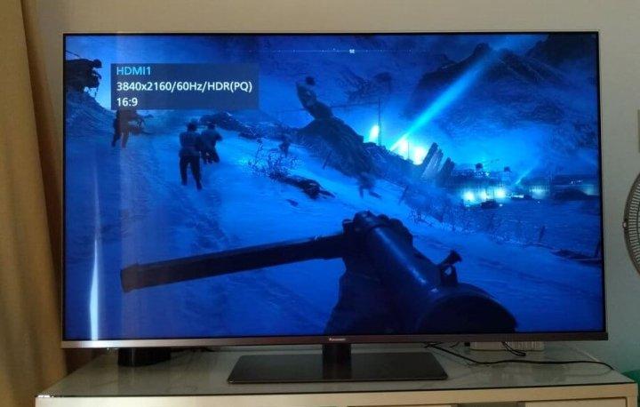 Game rodando em 4K Panasonic FX800B