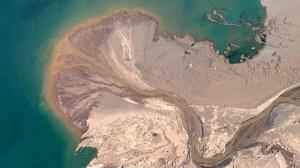Álbum com imagens fascinantes do Google Earth se torna sensação viral na internet 12