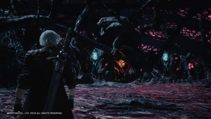 Dante esbanjando charme sempre preparado no Devil May Cry 5.