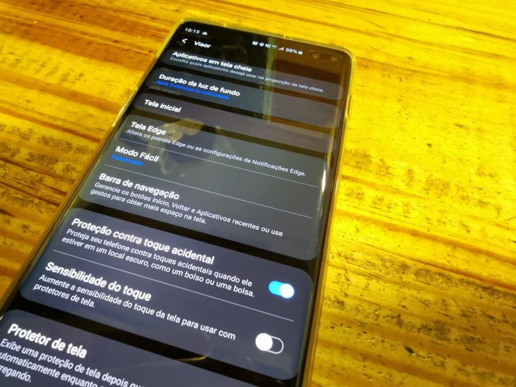 af0f823873e45 Tela Edge permite adicionar novos app ao seu Edge, deslizando com o dedo da  direita para esquerda