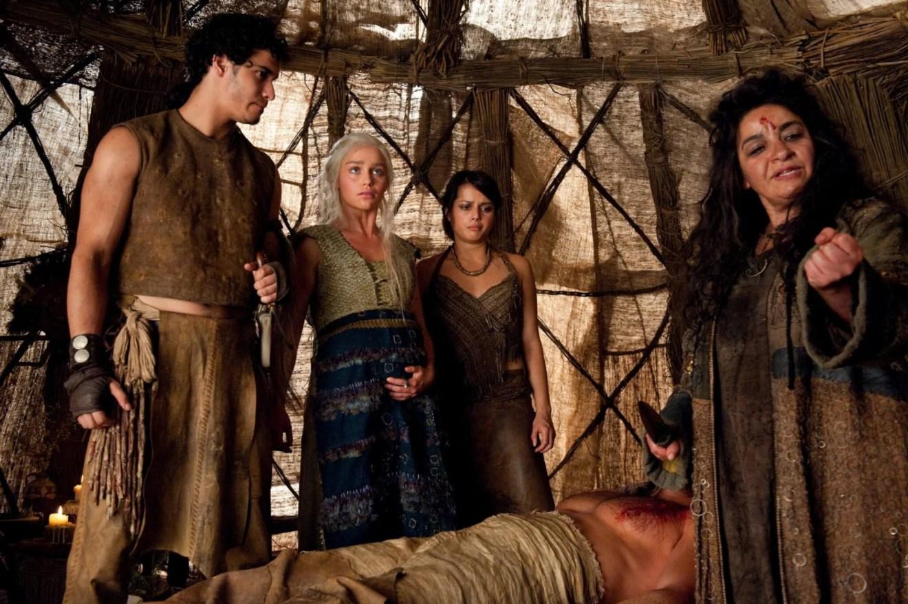 Uma bruxa enganou Dany na primeira temporada de Game of Thrones.