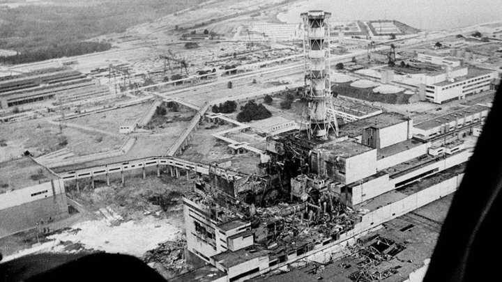 Reator nuclear de Chernobyl danificado