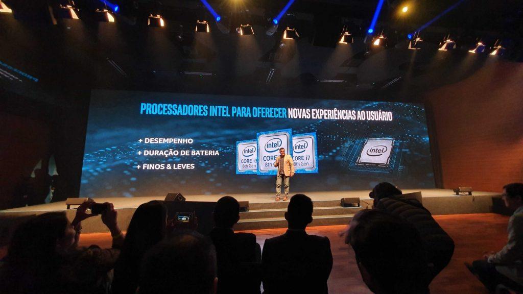 Mauricio Ruiz, diretor geral da Intel no Brasil, subiu ao palco e falou sobre a ASUS e a sólida relação com a Intel