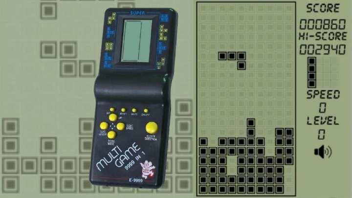 """Na foto mostra Brick Game, um dos """"portáteis"""" mais populares comercializados aqui no Brasil"""
