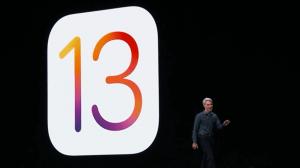 Tim Cook apresentando o novo iOS 13