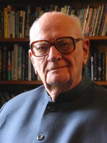 Arthur C. Clarke autor de ficção científica
