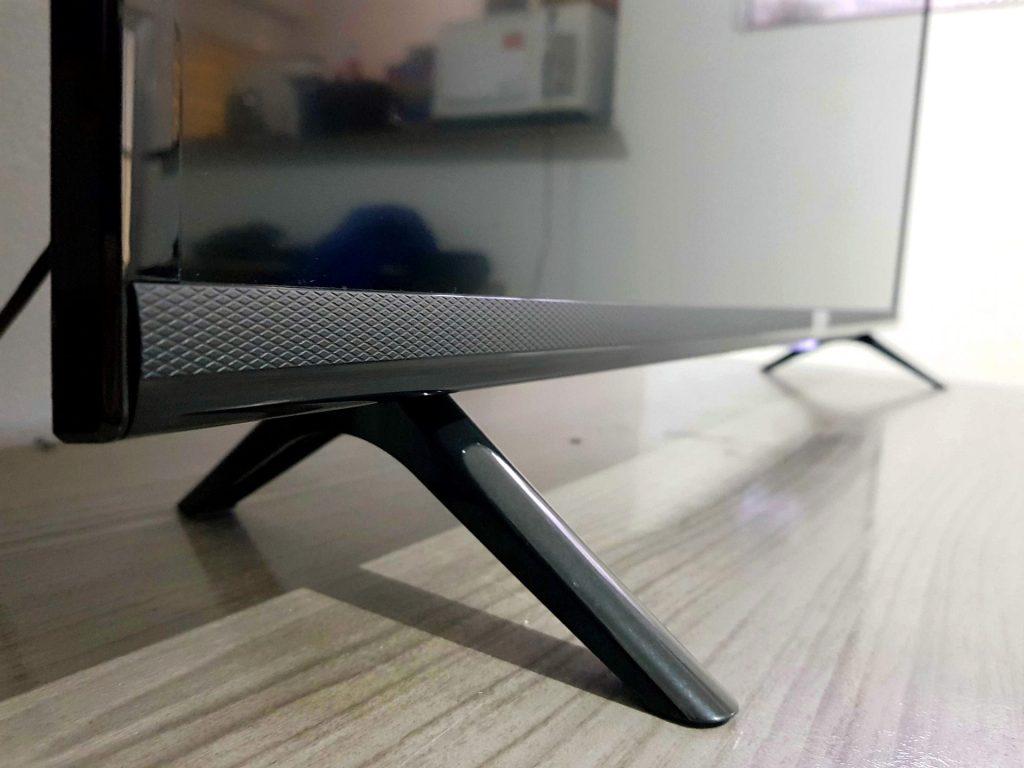 Design e construção da Smart TV TCL S6500