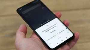 Erro do Google Assistente pode impedir que seu celular desligue; entenda