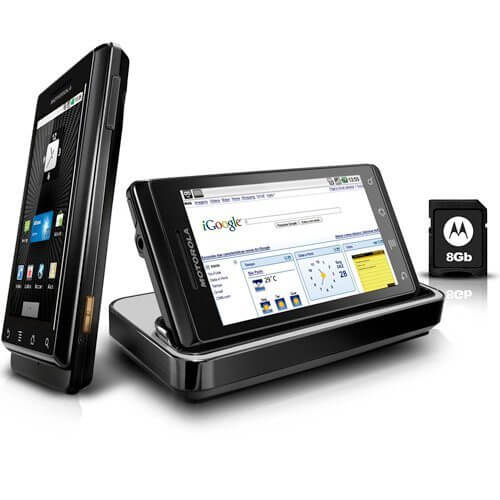 Motorola Milestone - Guia Showmetech: os melhores smartphones para este Natal – 2010