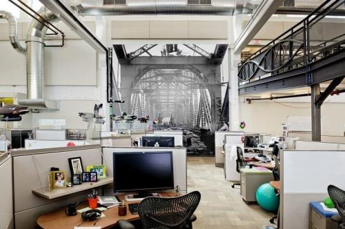 "Google Pittsburgh 4 PittsburghThemedElements 500x332 - Design: Google apresenta seu escritório ""Not-Evil"" em Pittsburgh"