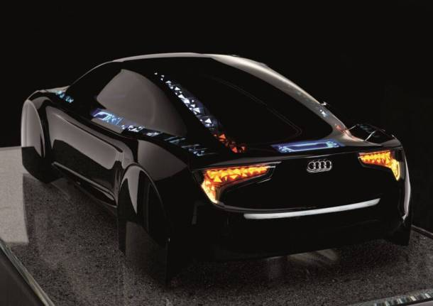 audi r8 oled tech 1 610x431 - Audi apresenta carro conceito com tecnologia OLED