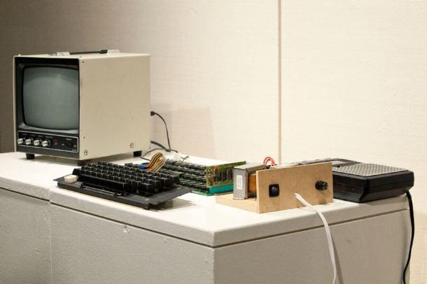 Andrew Burton Getty Images North America AFP 610x406 - Primeiro computador da Apple será leiloado