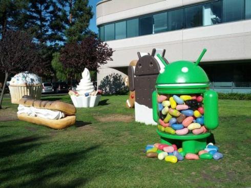 "Google Android Jardim - Android ""cromado"" aparece no campus do Google"