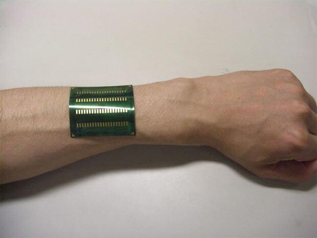 recarregador humano 620 - MP3 Player com tela OLED flexível é carregado com energia do corpo humano