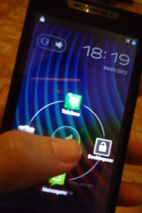 RAZR D3 launcher - Review: Motorola Razr D3