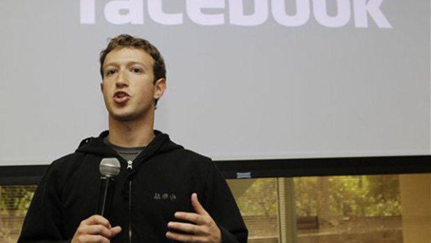 zuckonprivacyspeech 620x3501 - CEO do Facebook é o mais bem avaliado do mundo.