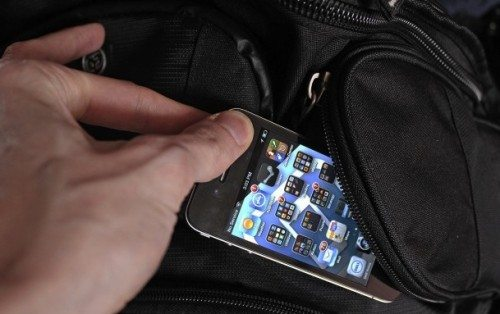 protect-iphone-theft-assalto-smartphone