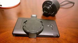 Sony DSC QX10 12 300x168 - Hands-on: Sony DSC-QX10, câmera WiFi para smartphones